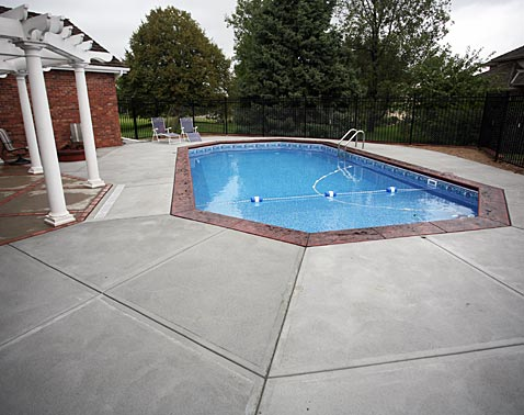 Modern concrete omaha for Above ground pool decks las vegas